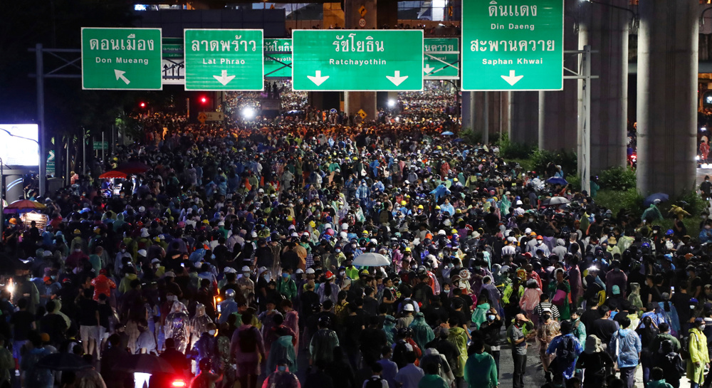 Police crackdown prompts more protests in Thailand
