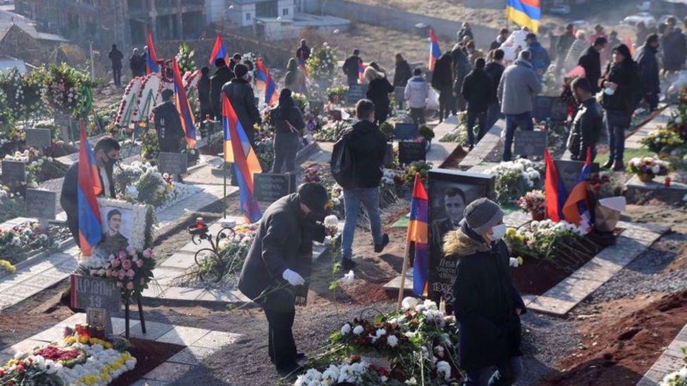 Armenians mourn Karabakh war victims, demand PM resignation
