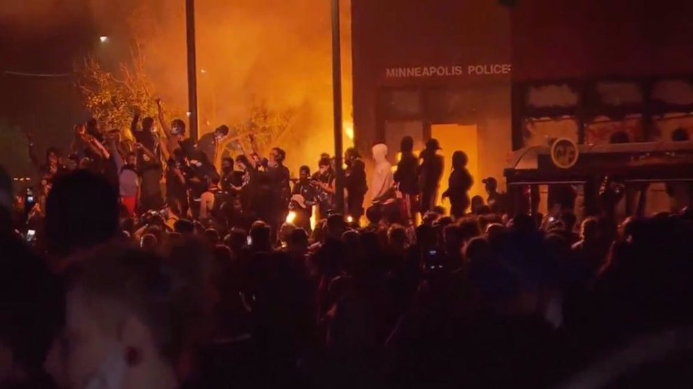 US calls in National Guard as 'I can't breathe' protests spread
