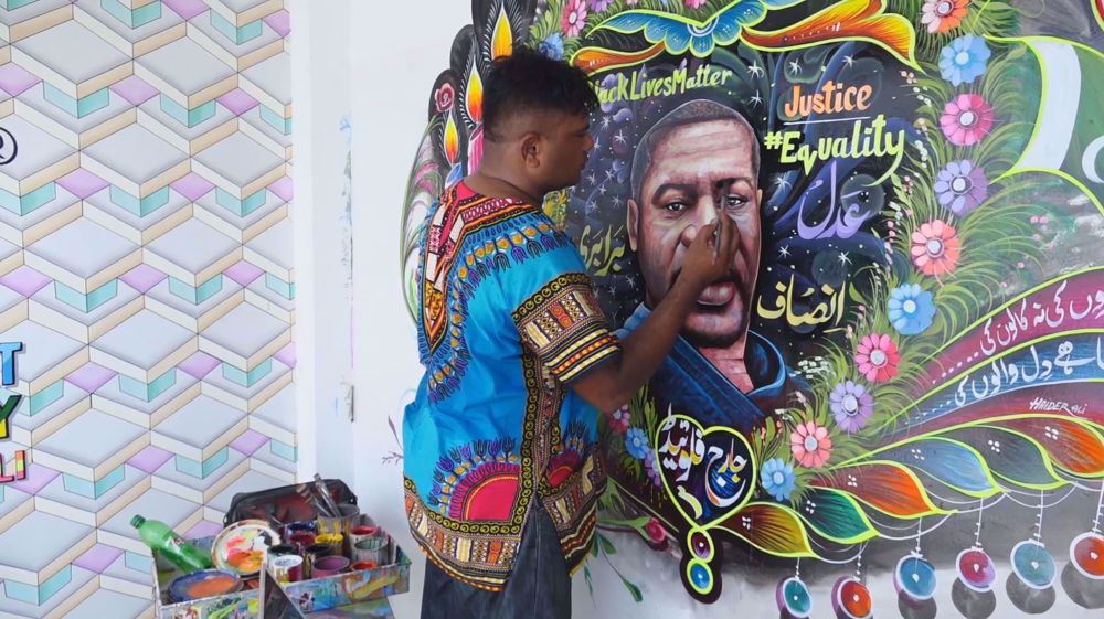 Pakistani truck artist honors George Floyd with mural