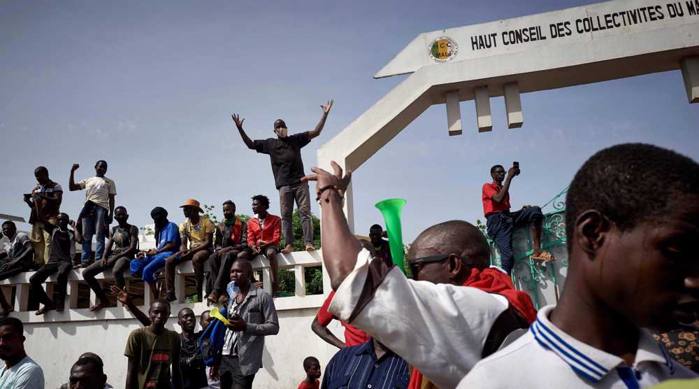 Mali forces fire tear gas to clear Bamako protesters