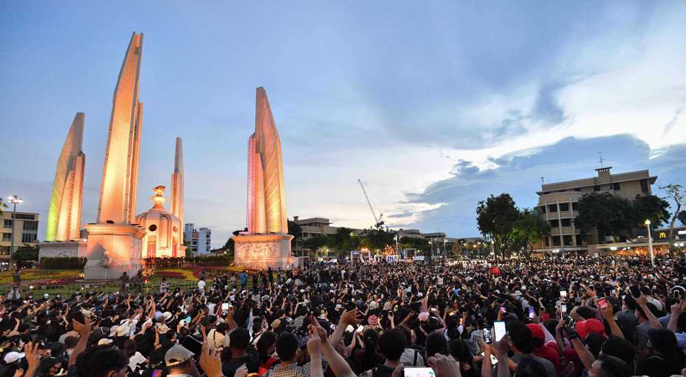Thousands protest against Thailand's government as tensions rise