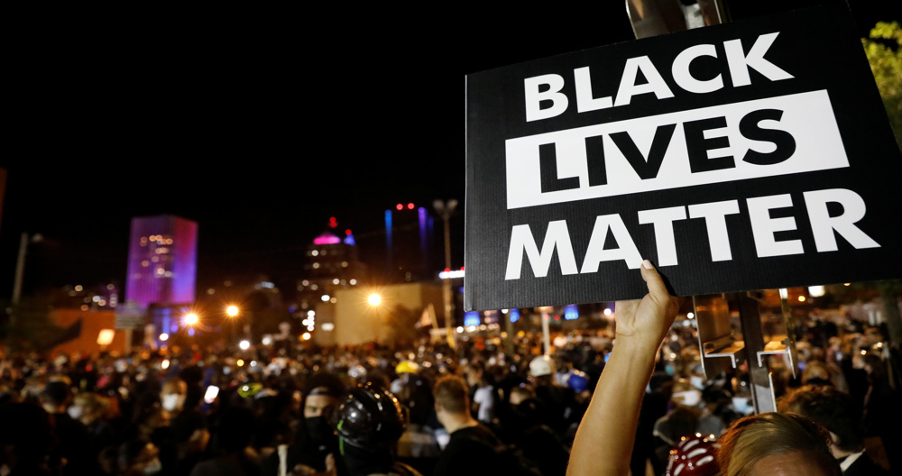 US protests: Rochester sees sixth night of rallies as Portland clashes continue