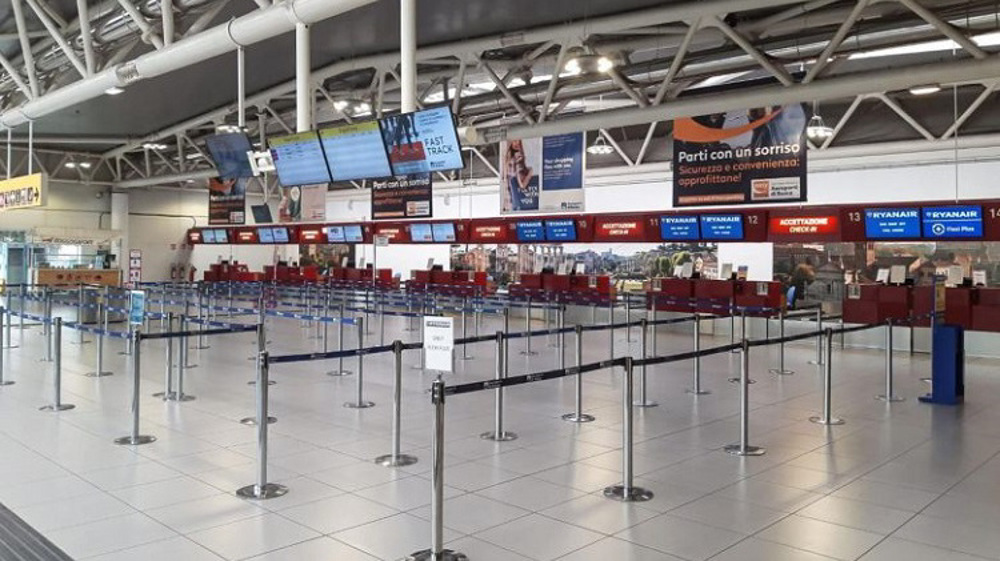 UK airports at risk of 'shutdown' as travel grinds to a halt
