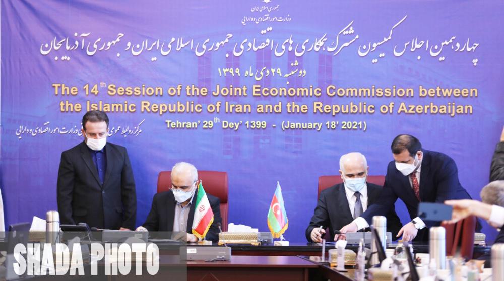 Iran, Azerbaijan sign key document to expand economic ties