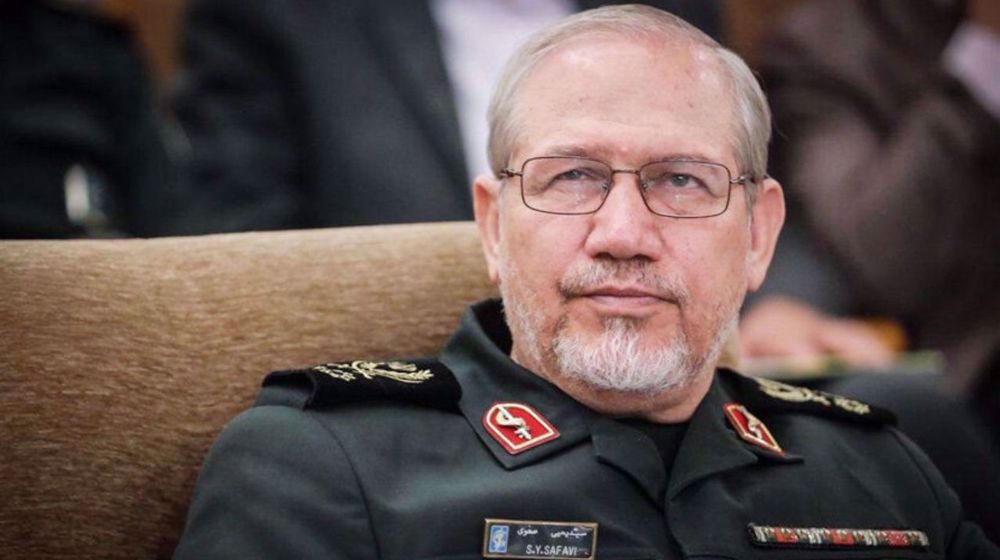 Ex-IRGC chief warns: Iran can turn US aircraft carriers into sinking submarines in case of attack