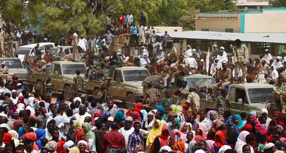 Sudan deploys troops to Darfur to contain tribal violence