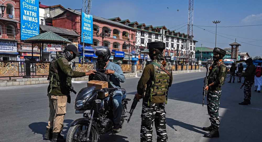 Indian police detain hundreds in sweeping crackdown across Kashmir