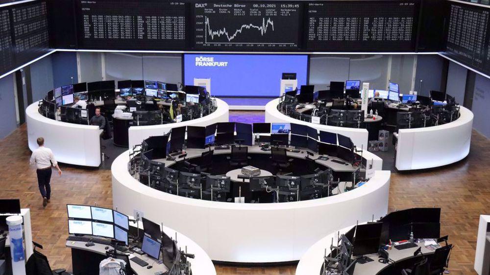 European stocks slip on rate, earnings jitters