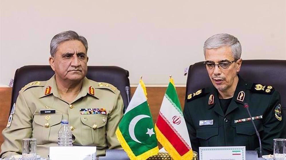 Top Iran, Pakistan generals discuss defense ties, regional developments