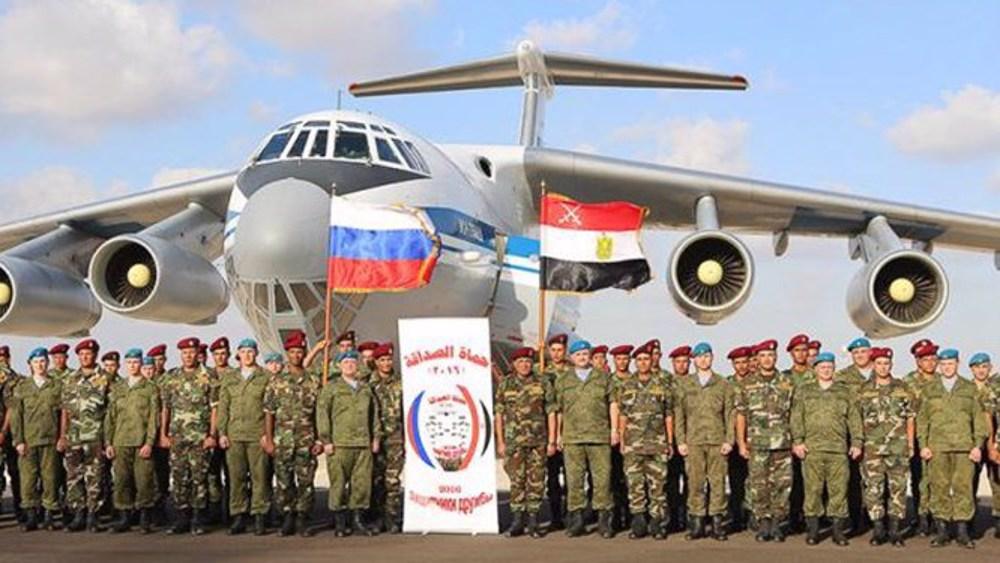 Parachutistes russes au Sinaï?