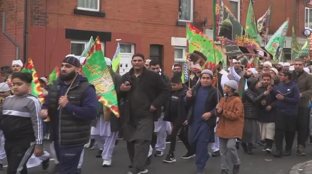 Thousands of British Muslims celebrate Prophet's birthday