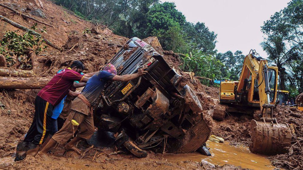 Floods, landslides in southern India leave at least 21 dead