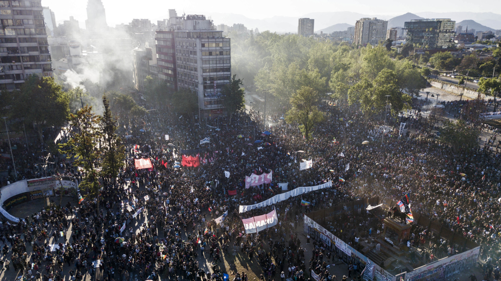 Chile police attack demonstrators during anniversary of 2019 protests