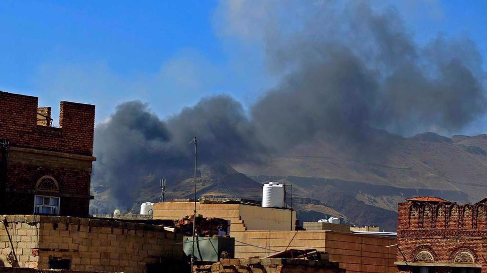 Saudi jets heavily bomb Sana'a, target pharmaceutical stocks