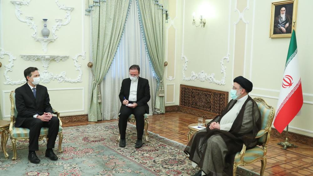 Iran calls on Switzerland, Europe not to cave under US pressures