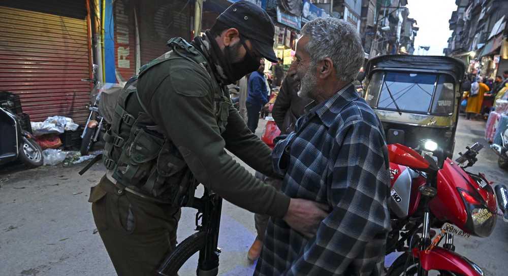Pakistan, India agree to end firing along Kashmir border