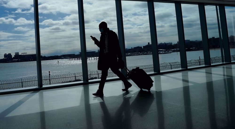 COVID-stricken US airlines resuscitated amid plans to lay off thousands of workers