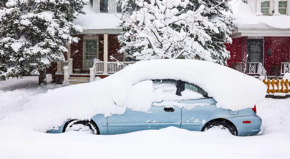 Historic snowstorm knocks out power in Colorado