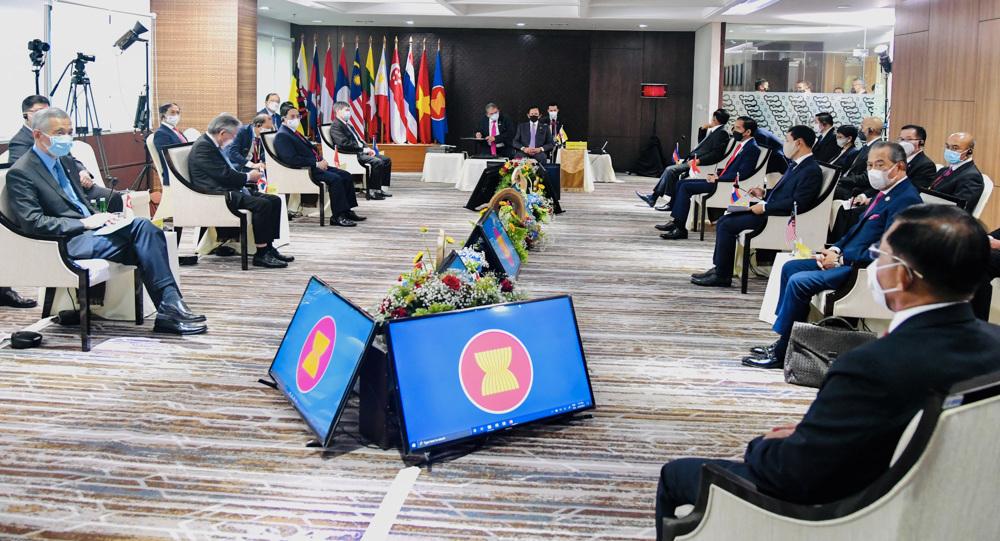 ASEAN reaches consensus on ending Myanmar crisis