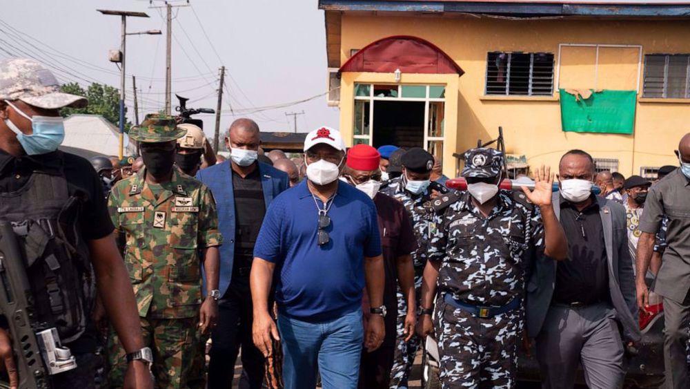 Nigeria launches massive manhunt after brazen prison attack