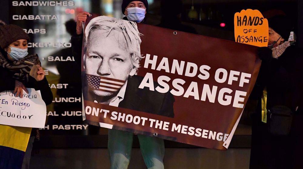 Snowden: Assange prosecution shows Biden's lip service to press freedom