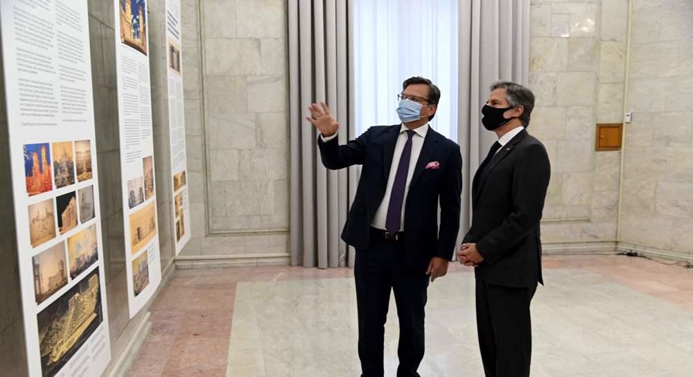 US's Blinken visits Ukraine in show of support against Russia