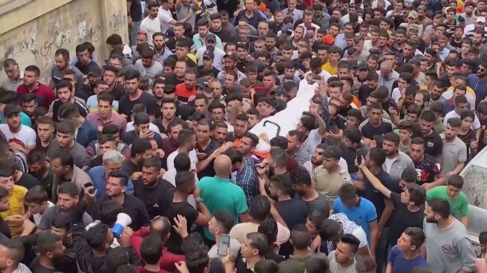 Palestinians bury teenager killed by Israeli forces