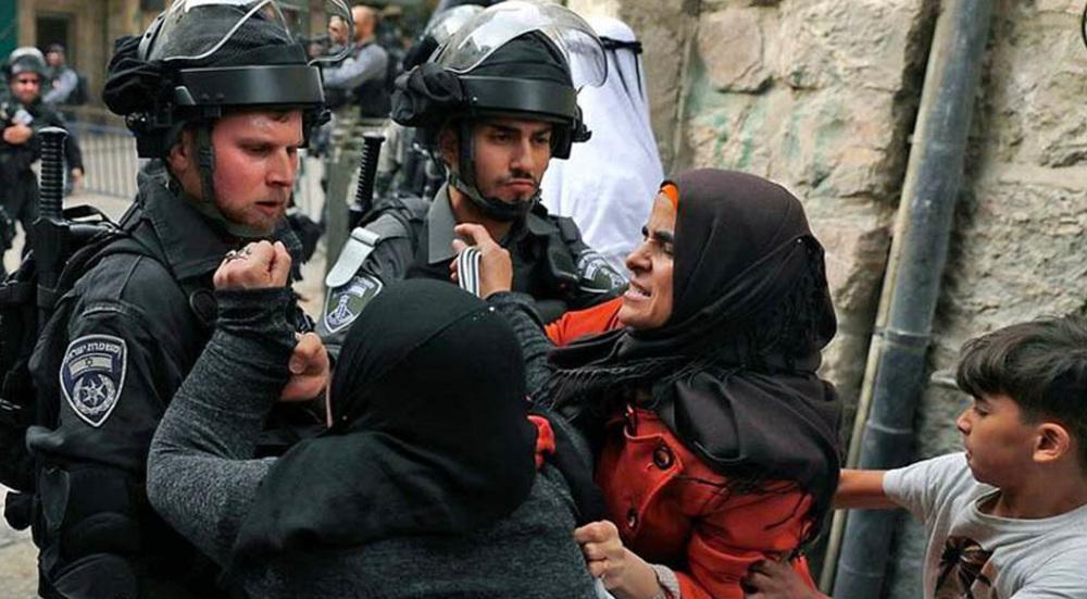Dozens injured after Israeli settlers attack al-Quds' Sheikh Jarrah