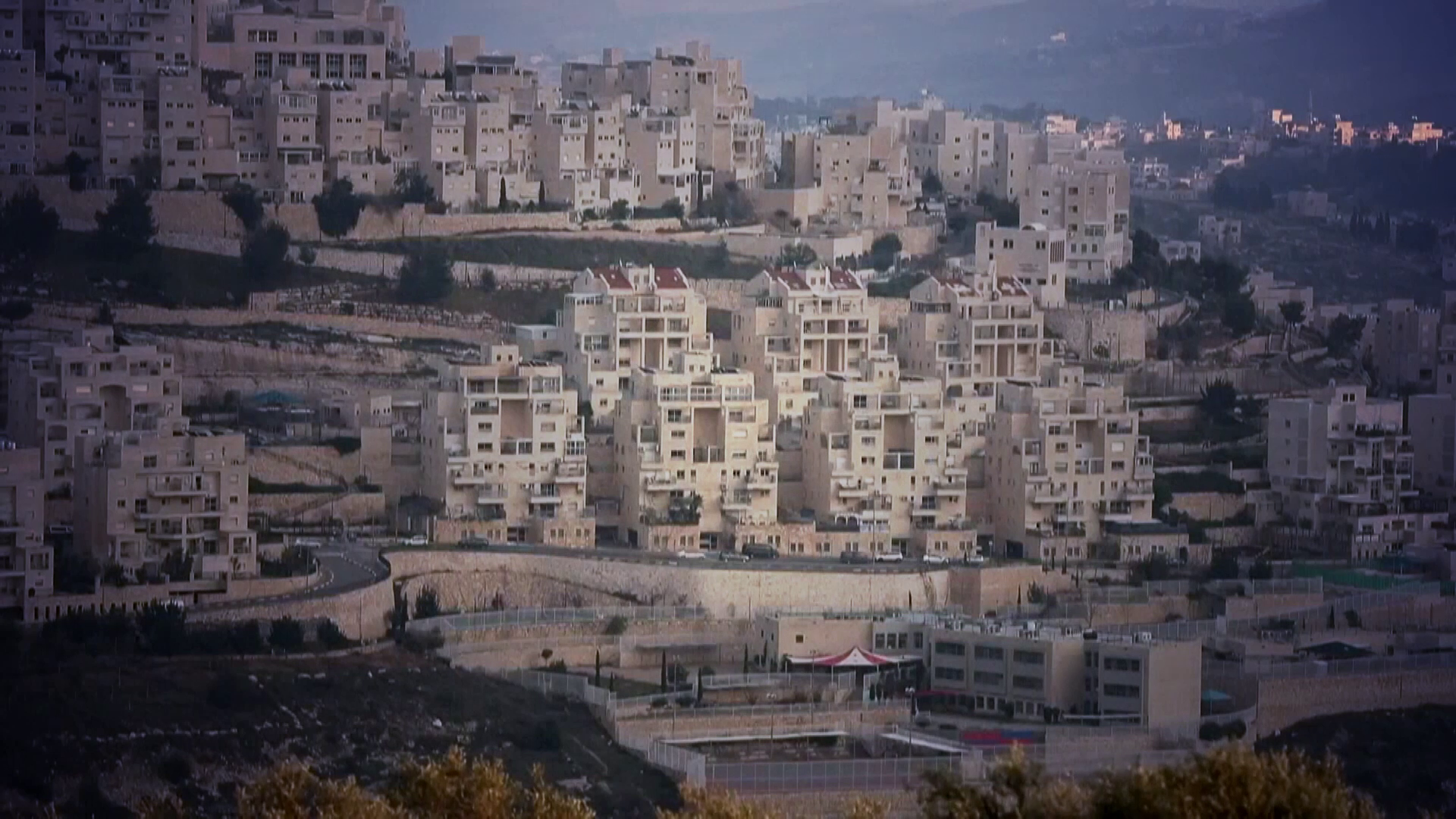 Israel approves more settlement projects on Palestinian land