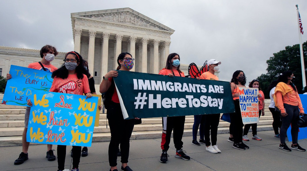 US Supreme Court rules against residency for some migrants
