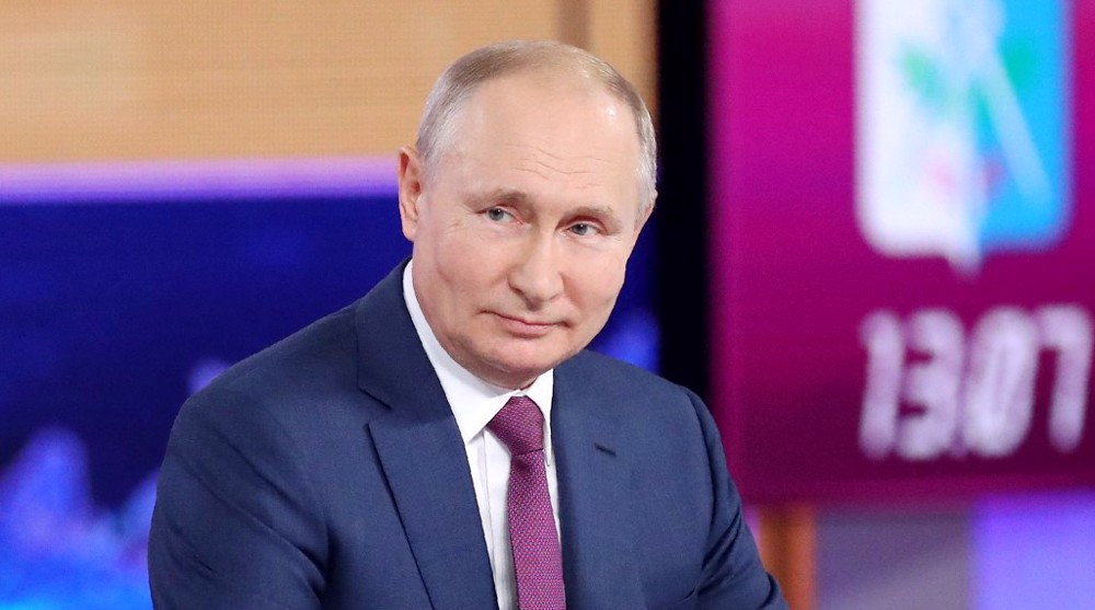 Putin signs law forcing tech giants to open offices in Russia