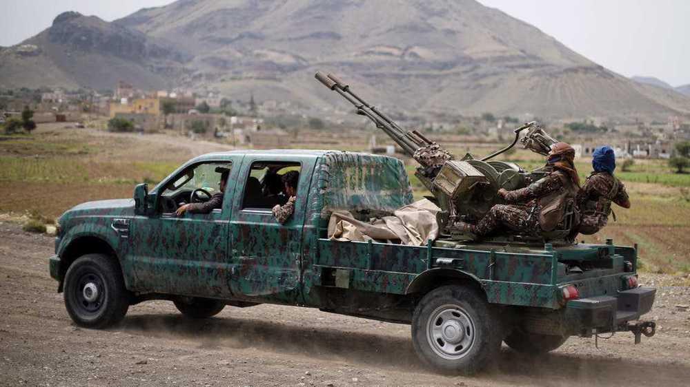 Yemeni army pummels Saudi-backed mercenaries, reclaims swaths of territory