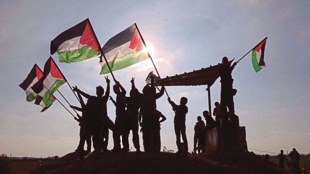Iran will defend Palestine until liberation: Raeisi to resistance leaders