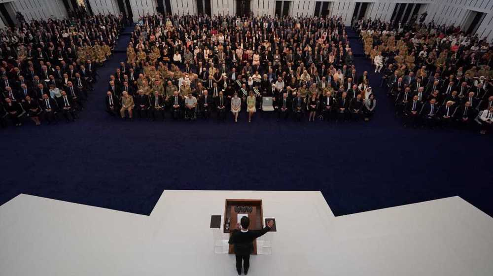 Assad takes oath for new term, vows to fight 'economic war'