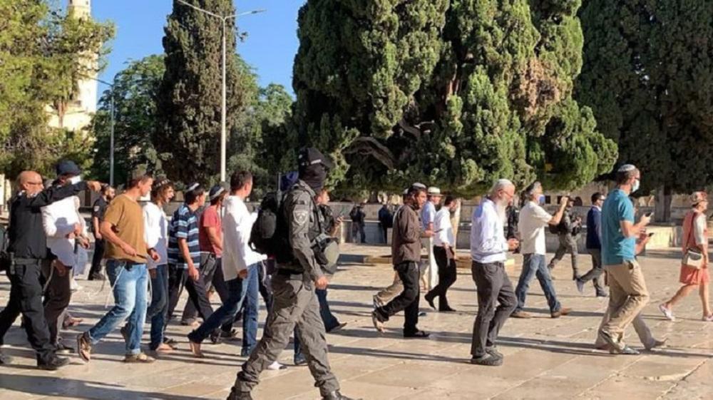 Palestinian pres. spokesman: Israel undermining regional security, dragging region into religious war