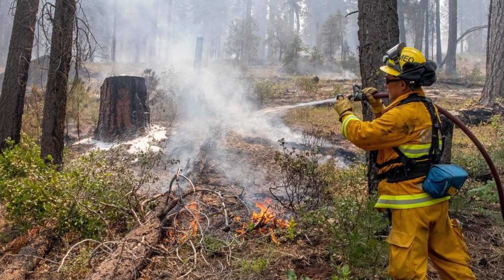 More than 2,100 US firefighters combat blaze in Oregon