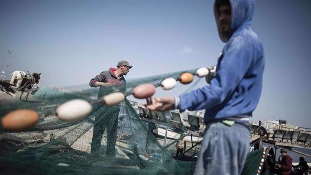 Israeli forces detain Gaza fishermen, seize their boats