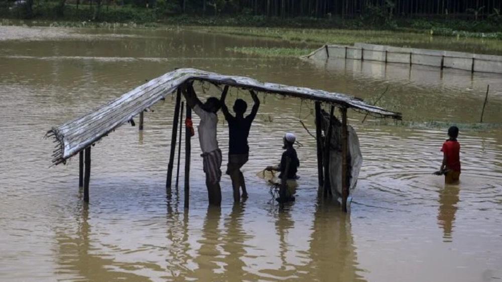 Heavy rains displace thousands of Rohingya Muslim refugees in Bangladesh