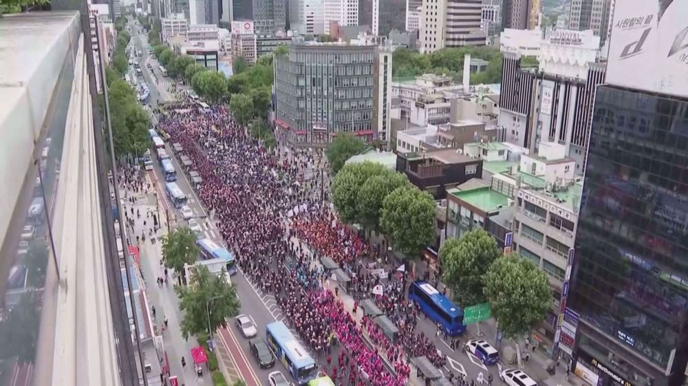 Thousands protest working conditions in coronavirus-hit Seoul