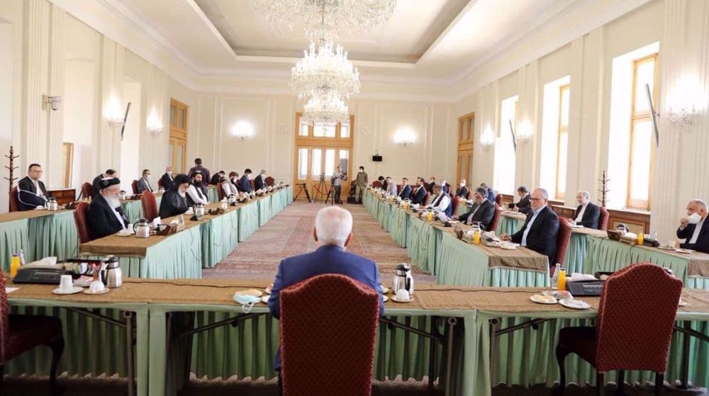 Iran's Zarif to Afghan delegates: End war as soon as possible to pave way for development of country