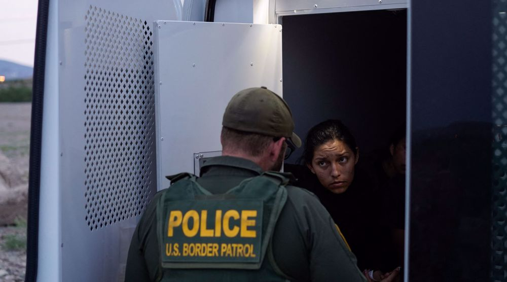 US sues Texas after it blocks transport of migrants in state