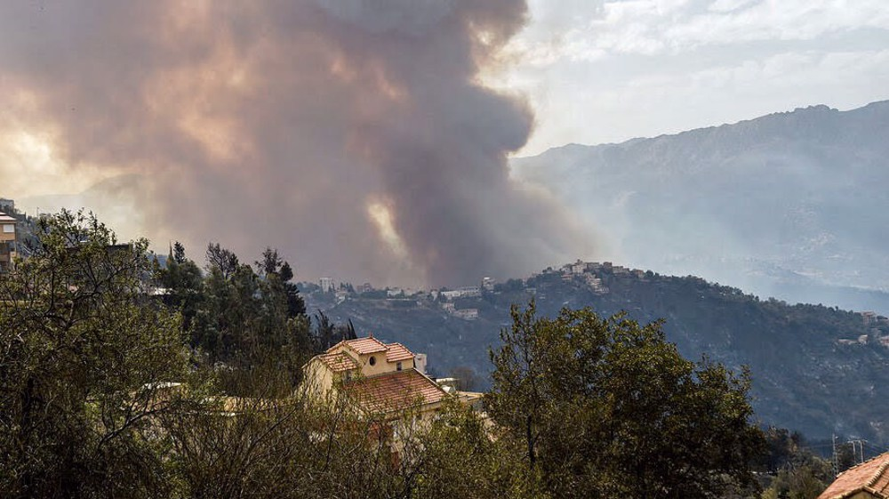 More than 60 killed in Algerian wildfires