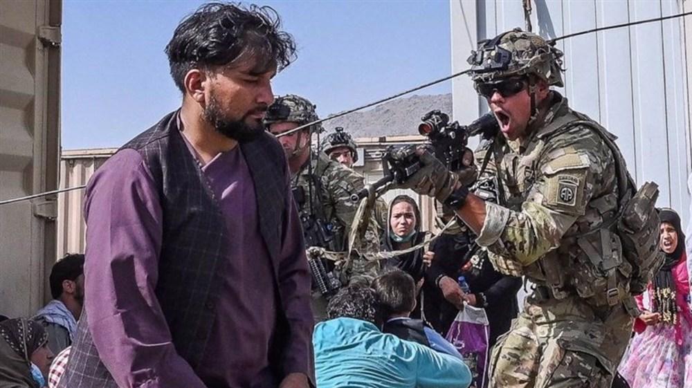 Aéroport de Kaboul: GI's ou passeurs?!