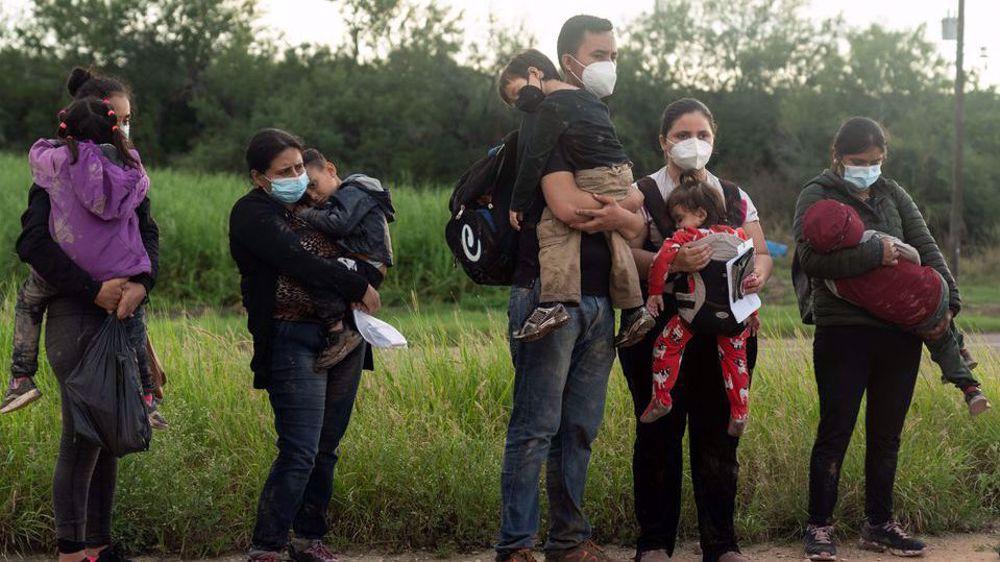Judge blocks Texas governor's order preventing transport of migrants