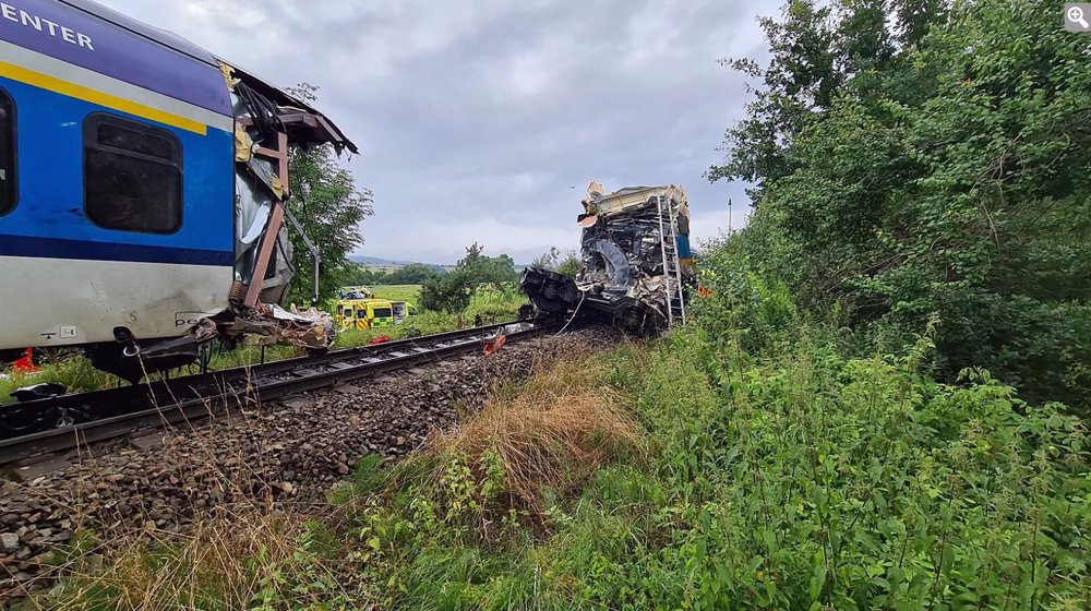 Two dead, more than 40 injured in Czech train collision