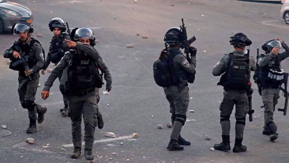 Israeli forces arrest 10 Palestinians in West Bank raids