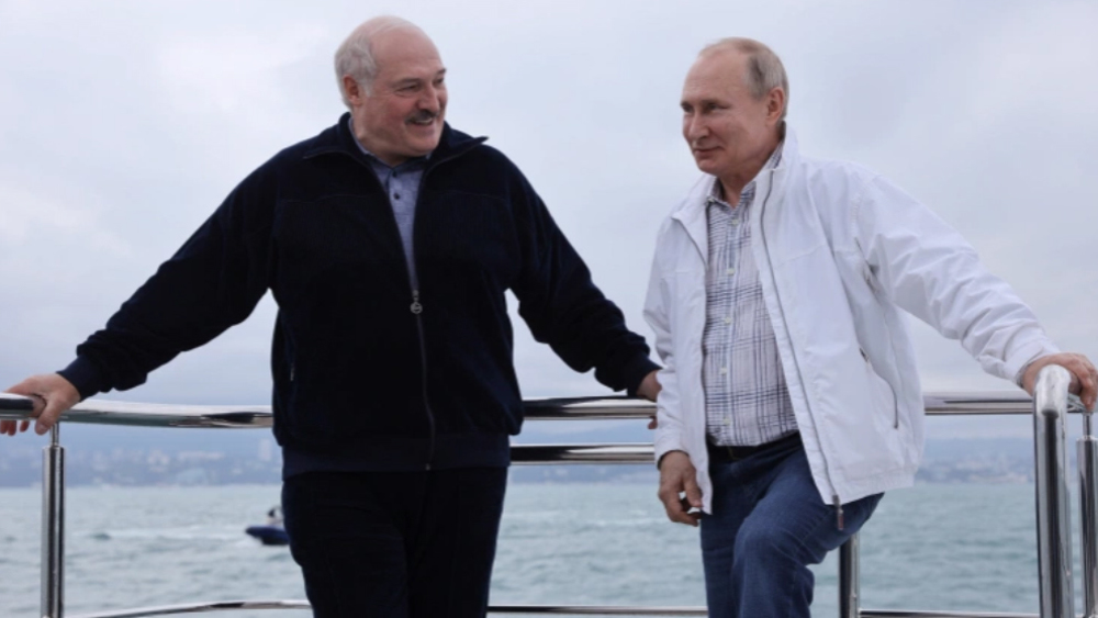 Russia to send huge military hardware consignment to Belarus: Lukashenko