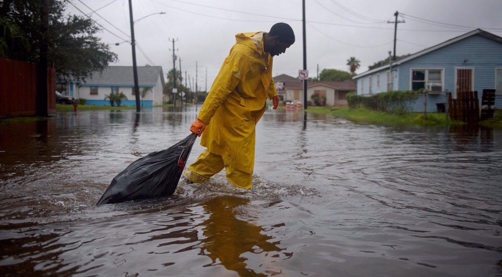 250,000 without power as Nicholas soaks Texas, Louisiana