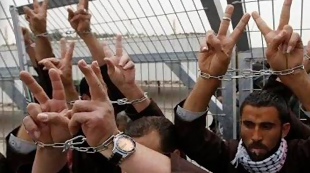 Palestinians hold sit-in to voice support for prisoners